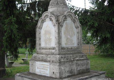 Dormánd világháborús emlékmű 2007.06.13. küldő-kalyhas (4)