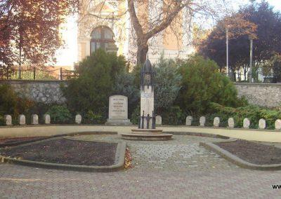 Dorog II.vh emlékmű 2008.10.30. küldő-Huszár Peti (1)