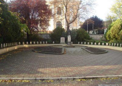 Dorog II.vh emlékmű 2008.10.30. küldő-Huszár Peti