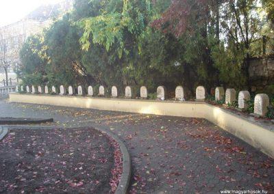 Dorog II.vh emlékmű 2008.10.30. küldő-Huszár Peti (7)