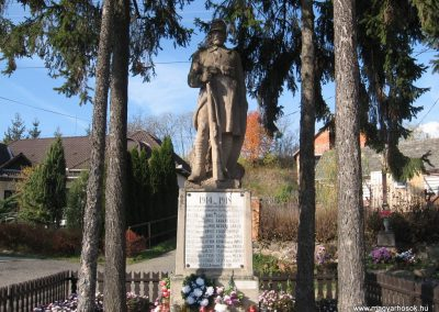 Dorogháza világháborús emlékmű 2008.11.03. küldő-kalyhas (1)