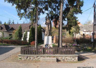 Dorogháza világháborús emlékmű 2008.11.03. küldő-kalyhas