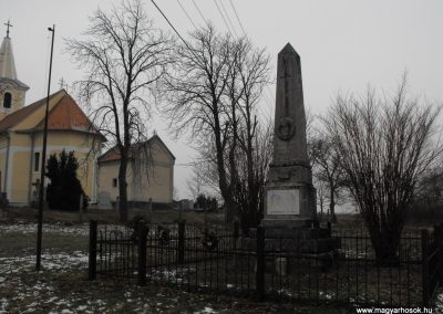 Dozmat világháborús emlékmű 2009.01.13.küldő-gyurkusz