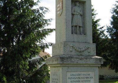 Drávaszerdahely világháborús emlékmű 2010.05.26. küldő-Vető Zsuzsanna (4)