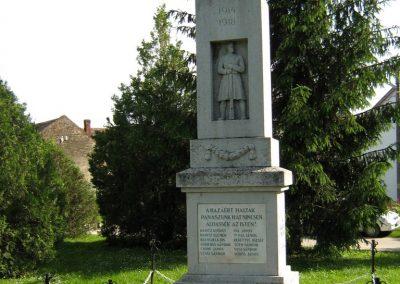 Drávaszerdahely világháborús emlékmű 2010.05.26. küldő-Vető Zsuzsanna