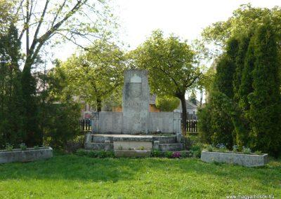 Drégelypalánk világháborús emlékmű 2009.04.13. küldő-Ágca