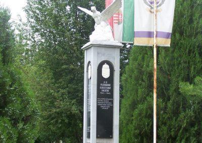 Dravapalkonya világháború emlékmű 2004.01.03.küldő-Horváth Zsolt (1)