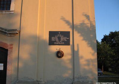 Dunaalmás I.vh emléktábla 2008.07.05.küldő-Kályhás