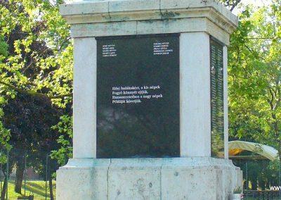 Dunaföldvár világháborús emlékmű 2009.05.18. küldő-HunMi (7)