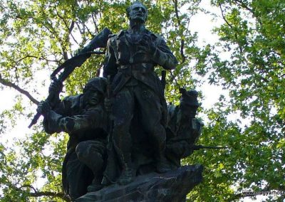 Dunaföldvár világháborús emlékmű 2009.05.18.küldő-HunMi (1)