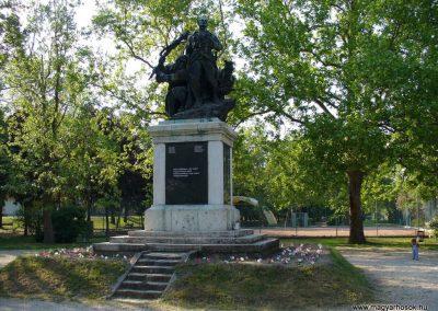 Dunaföldvár világháborús emlékmű 2009.05.18.küldő-HunMi