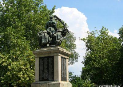 Dunaföldvár világháborús emlékmű 2010.07.11. küldő-Emese