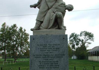 Dunapataj I. világháborús emlékmű 2007.10.06. küldő-Markó Péter (1)
