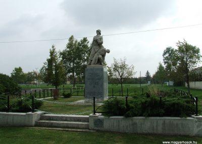 Dunapataj I. világháborús emlékmű 2007.10.06. küldő-Markó Péter