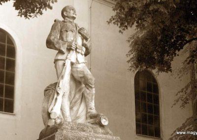 Dunaszekcső I. vh emlékmű 2008.06.04. küldő-V3t3r4n (1)