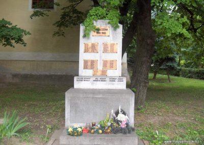 Dunaszekcső II.vh emlékmű 2008.06.04. küldő-V3t3r4n (1)