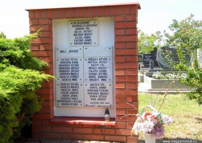 Dusnok világháborús emlékmű 2014.07.12. küldő-Méri (3)