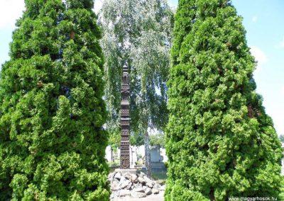 Dusnok világháborús emlékmű 2014.07.12. küldő-Méri (4)
