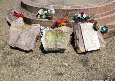 Ecsegfalva világháborús emlékmű 2013.05.25. küldő-kalyhas (3)