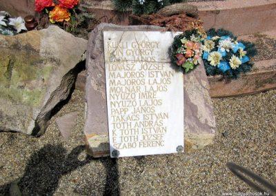 Ecsegfalva világháborús emlékmű 2013.05.25. küldő-kalyhas (4)