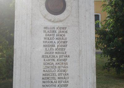 Ecser világháborús emlékmű 2007.05.21. küldő-Petrás Mátyás (3)