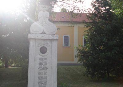 Ecser világháborús emlékmű 2007.05.21. küldő-Petrás Mátyás