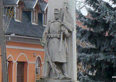 Edelény világháborús emlékmű 2008.12.31. küldő-Gombóc Arthur (2)