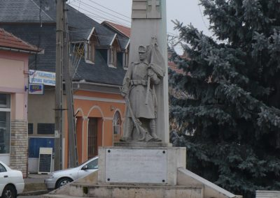 Edelény világháborús emlékmű 2008.12.31. küldő-Gombóc Arthur