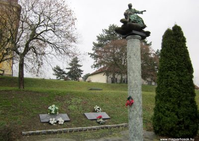 Eger-Felnémet II. világháborús emlékmű 2014.02.22. küldő-kalyhas (2)