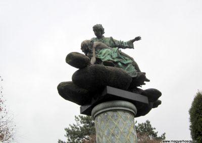 Eger-Felnémet II. világháborús emlékmű 2014.02.22. küldő-kalyhas (3)