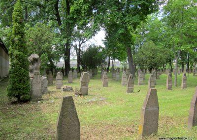 Eger Hősök temetője 2017.05.22. küldő-kalyhas (1)