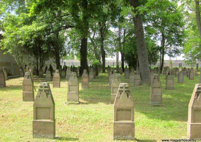 Eger Hősök temetője 2017.05.22. küldő-kalyhas (13)