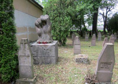 Eger Hősök temetője 2017.05.22. küldő-kalyhas (2)