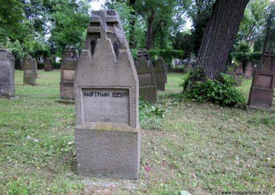 Eger Hősök temetője 2017.05.22. küldő-kalyhas (4)