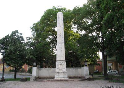 Eger Hősi emlékmű 2007.05.31. küldő-kalyhas
