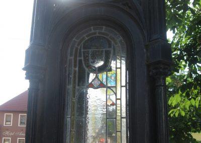 Eger II.vh emlékmű 2007.05.31. küldő-kalyhas (1)