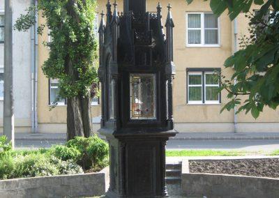 Eger II.vh emlékmű 2007.05.31. küldő-kalyhas (2)