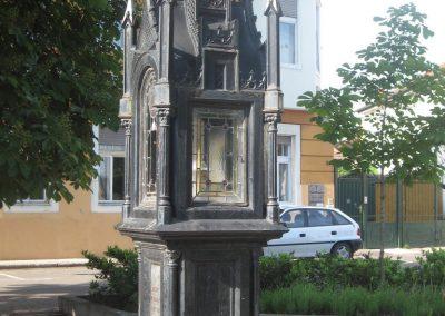 Eger II.vh emlékmű 2007.05.31. küldő-kalyhas (3)