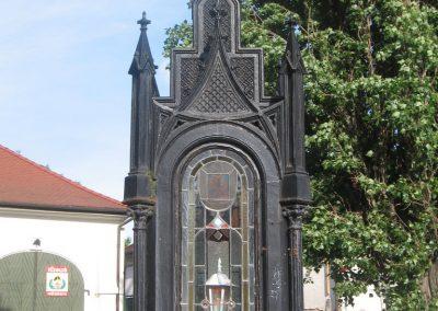 Eger II.vh emlékmű 2007.05.31. küldő-kalyhas (5)