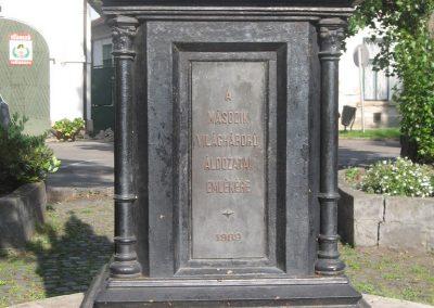 Eger II.vh emlékmű 2007.05.31. küldő-kalyhas (6)
