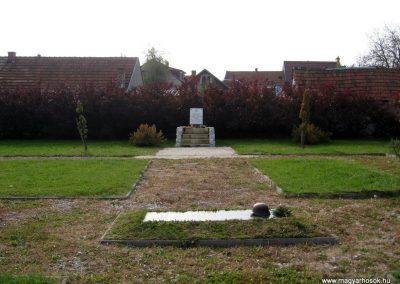 Eger II.vh hősi emlékművek 2010.10.17. küldő-kalyhas (5)