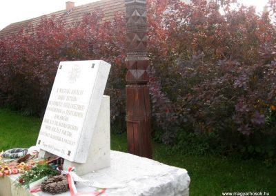 Eger II.vh hősi emlékművek 2010.10.17. küldő-kalyhas (8)