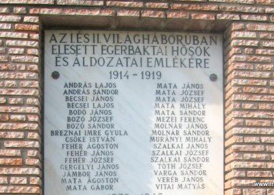 Egerbakta világháborús emlékmű 2010.05.24. küldő-kalyhas (3)