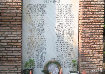 Egerbakta világháborús emlékmű 2010.05.24. küldő-kalyhas (4)