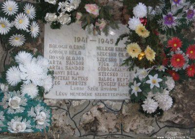 Egerbocs II.vh emlékhely 2007.12.04. küldő-kalyhas (2)