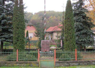 Egercsehi világháborús emlékmű 2007.10.24. küldő-kalyhas