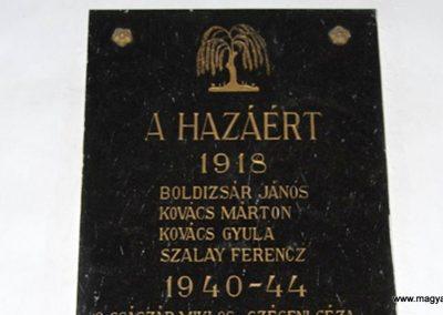 Egeres református templom világháborús emléktábla 2008.08.04. küldő-arpisz (1)