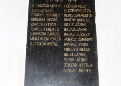 Egeres református templom világháborús emléktábla 2008.08.04. küldő-arpisz (2)