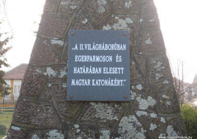Egerfarmos világháborús emlékmű 2008.02.19.küldő-Kályhás (3)
