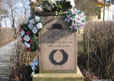 Egerlövő világháborús emlékmű 2008.02.20. küldő-Kályhás (2)